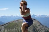 Jenny in Eagle Pose (Garudasana) on Whistler Mountain, Jasper National Park, B.C. (Photo by Ian Hatter)