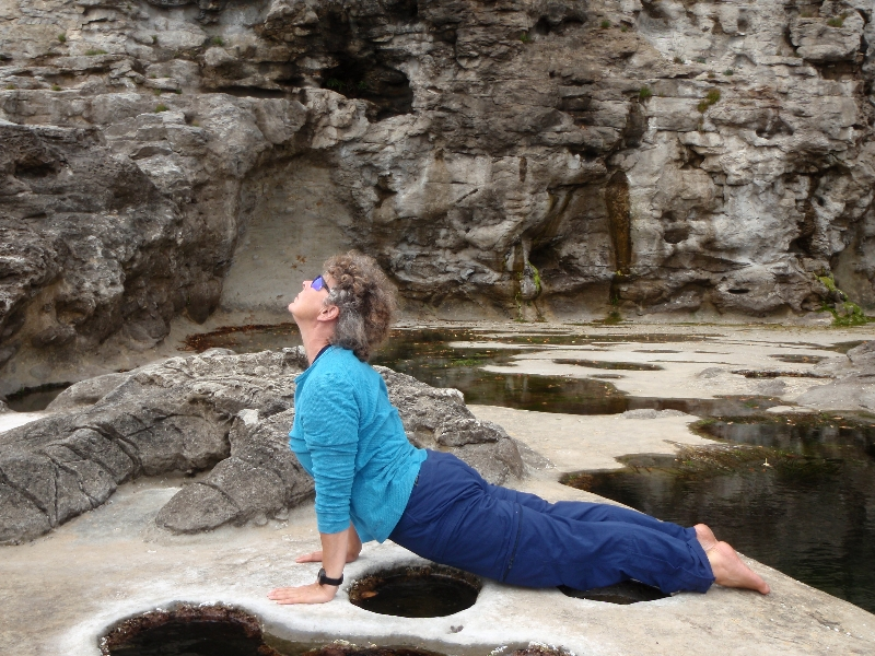 Jenny in Upward Facing Dog (Urdvah Mukha Svanasana) at Botanical Beach, Juan de Fuca Provincial Park on Vancouver Island B.C. (Photo by Ian Hatter).