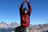Ian in Tree Pose (Vrikshasana), on Parker Ridge, Banff National Park, Alberta (Photo by Jenny Feick).
